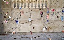 Sin título (Papelitos III), 2006 - Foto intervenida - Fotografía color - Medidas variables