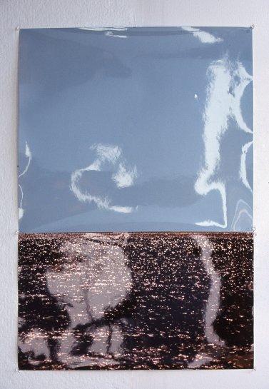 Sin título (Horizonte), 2000 - Papel Fotográfico velado, sin procesar y fotografía color - 70 x 50 cm